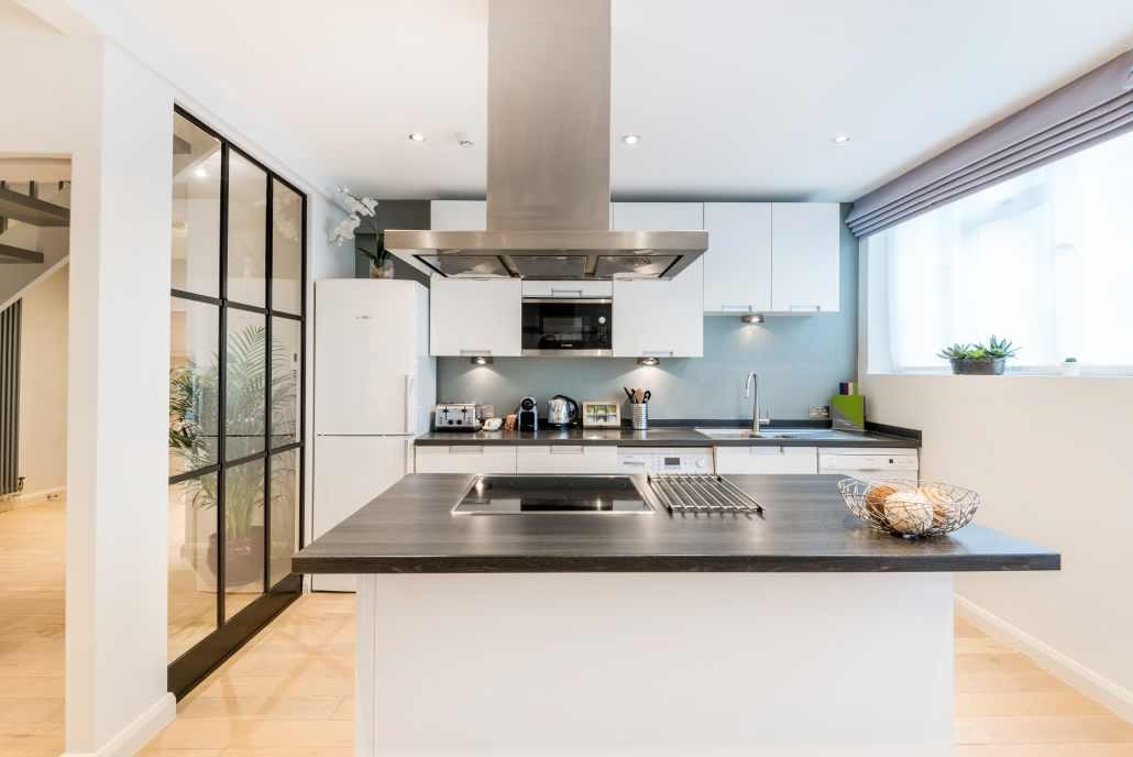 Splendid kitchen at the Hyde Park Gate Apartments in London