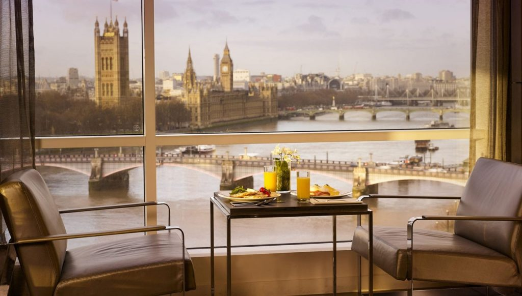 Breakfast above the Thames London in Plaza on the River apartment, Vauxhall
