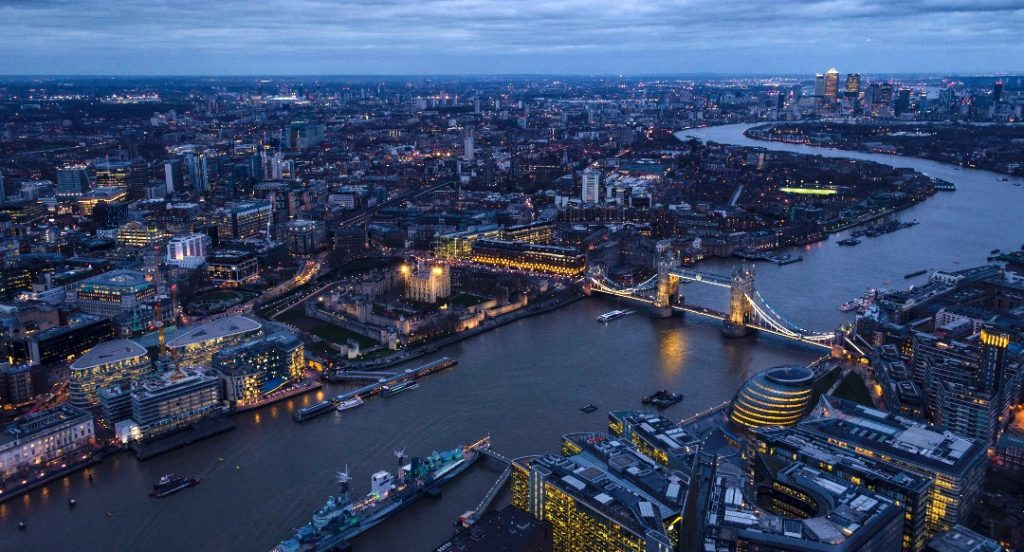interesting facts about the Thames night river