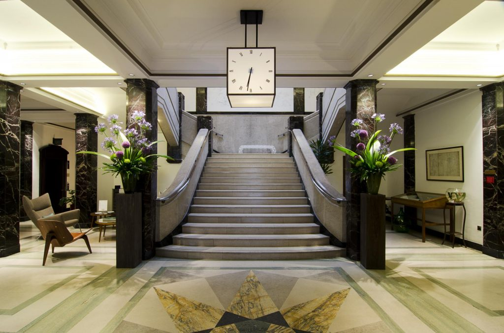 Luxurious entrance to these London serviced apartments